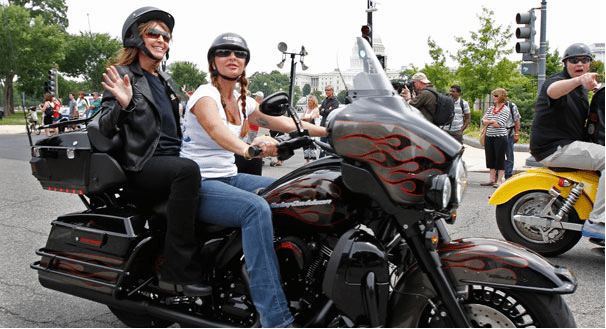 Sarah Palin and daughter arrive at Rolling Thunder