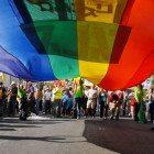 LGBT-parachute