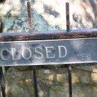 Closed-gate