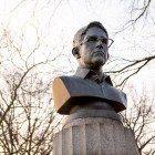 Snowden-statue