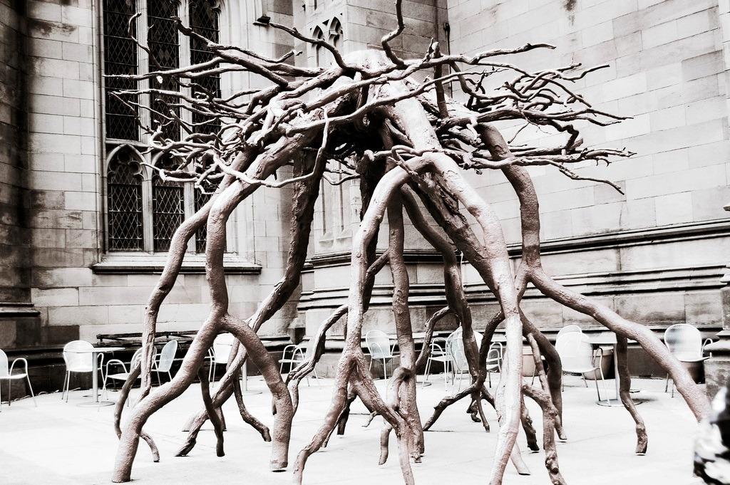 Roots-public-art