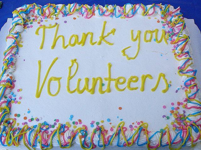 volunteers-cake