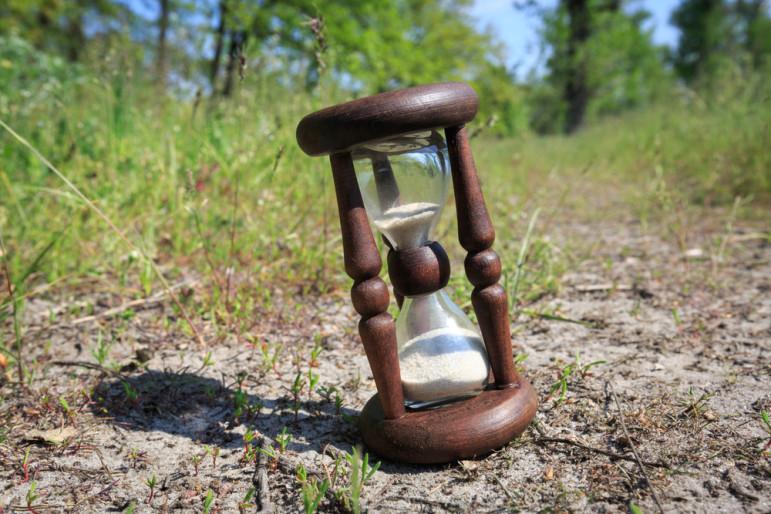 Hourglass-nature