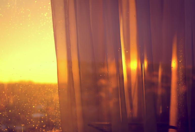 Curtain-sunlight