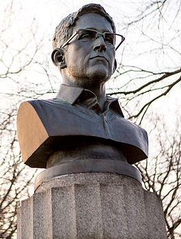 Snowden-bust
