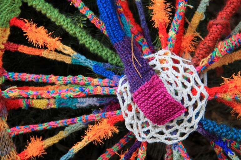 Bright-colors-yarn