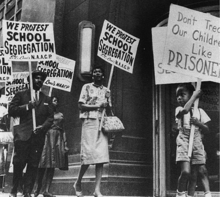 school_segregation_protest