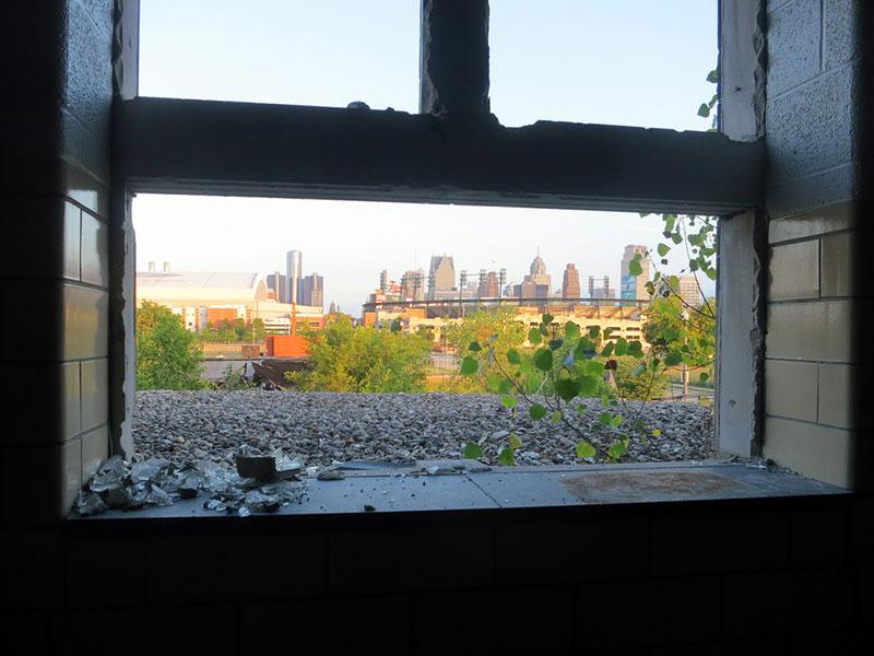 Detroit-abandoned-window