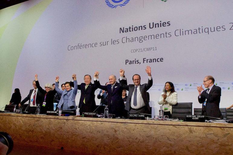 Environmental_Agreement_at_COP21_in_Paris_(23076185424)