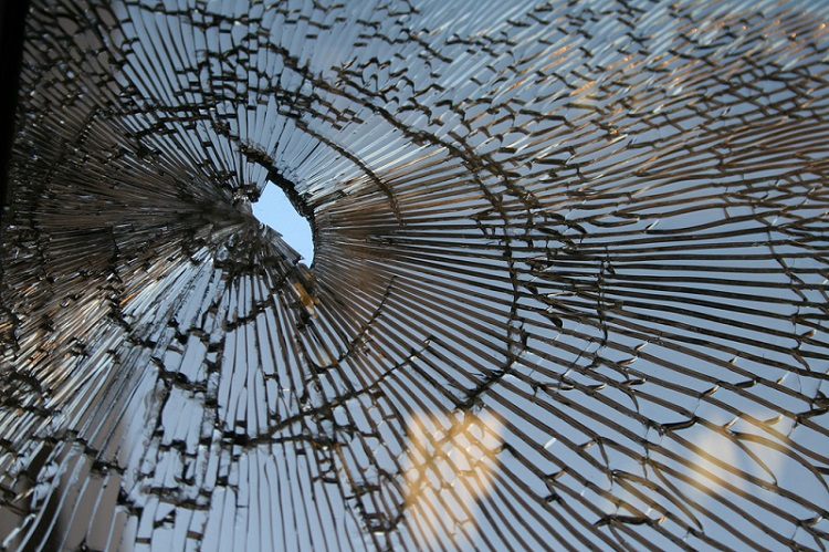 broken-glass-american-dream