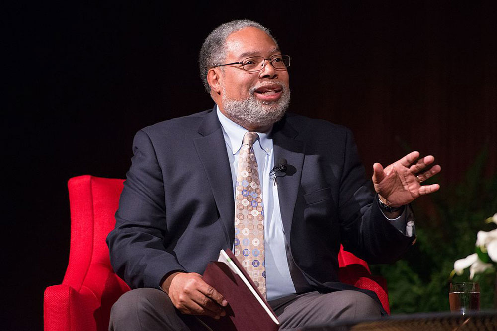 Lonnie Bunch III.