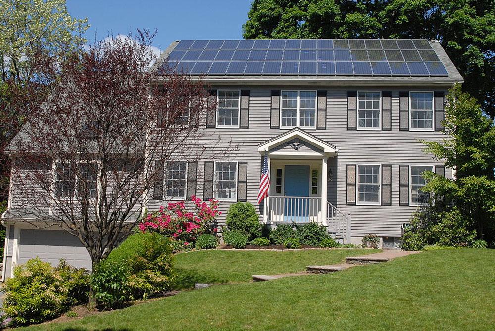 Rooftop Solar Bills Advance in Massachusetts